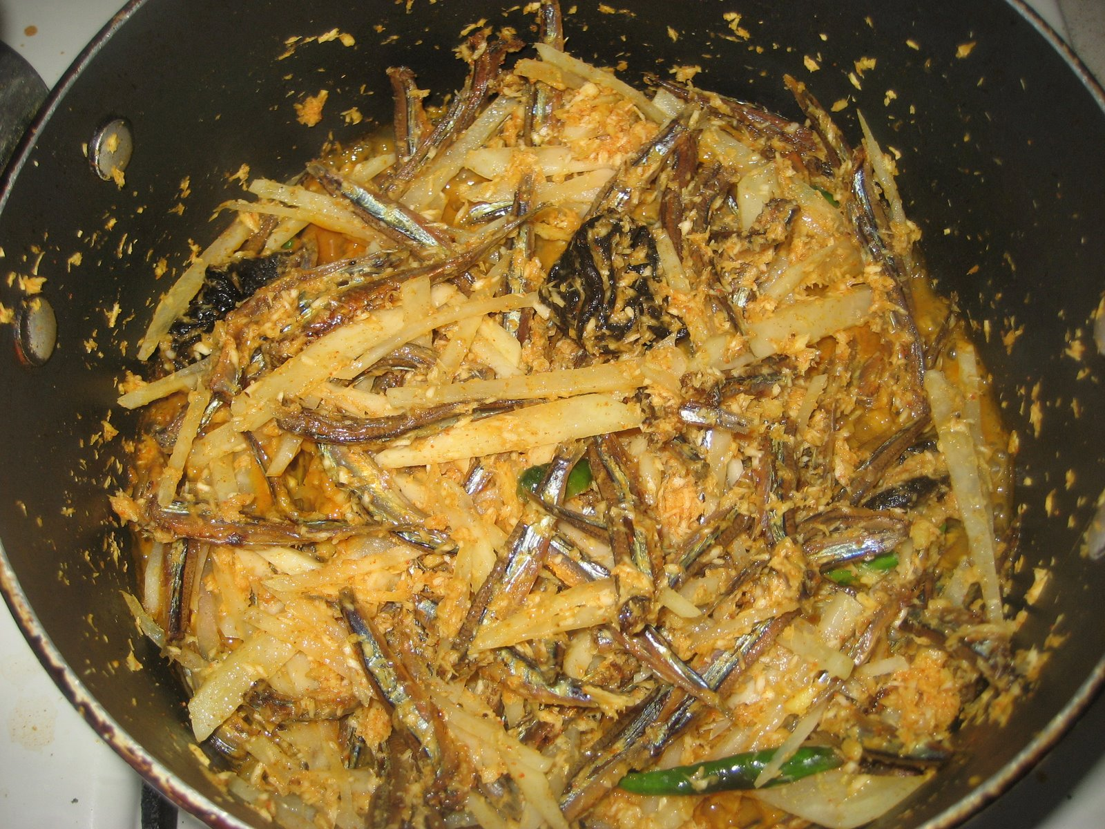 Dry fish curry picture